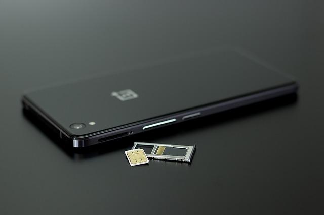 SIM-Karte aus dem Handy